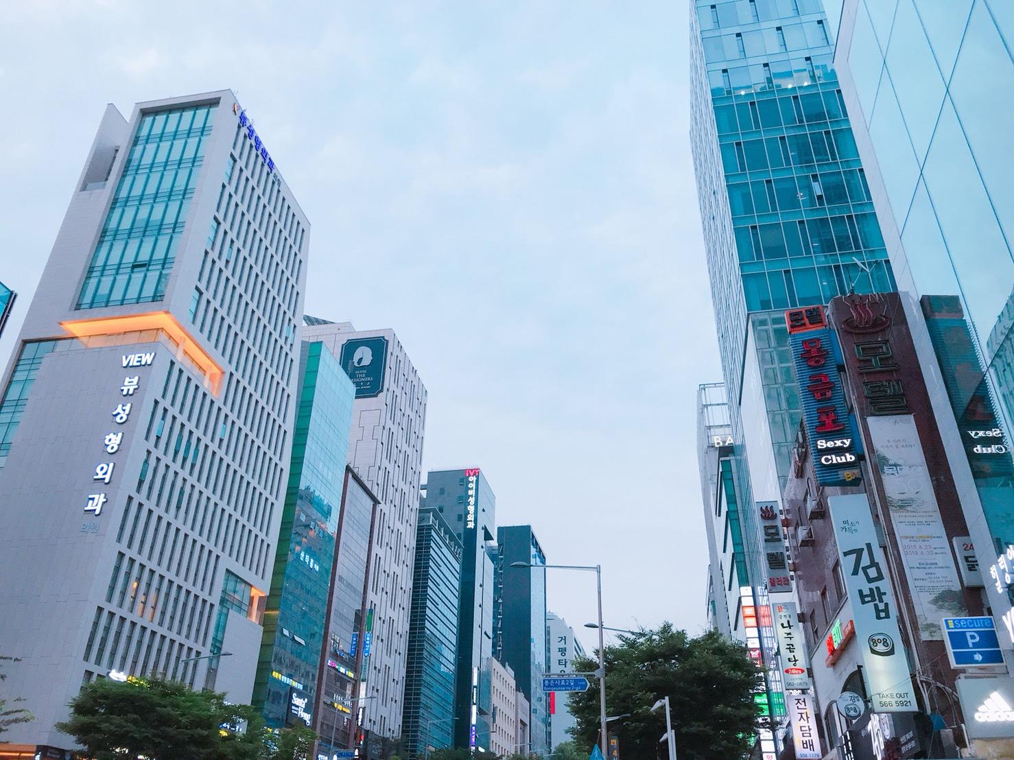 自毛植毛手術経過写真 韓国植毛手術 カンナム通りの様子